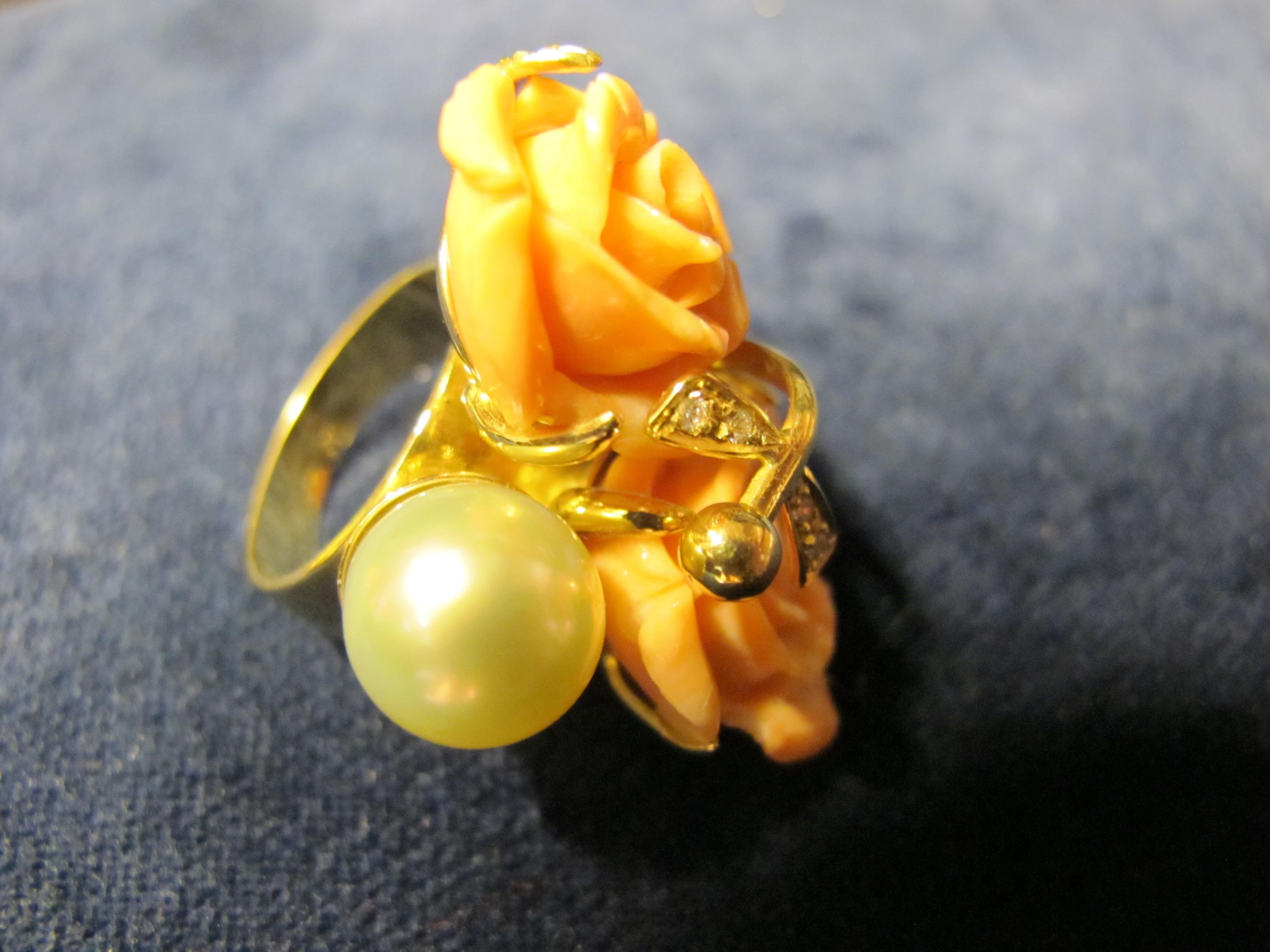 6 anello oro giallo con corallo rosa e perla
