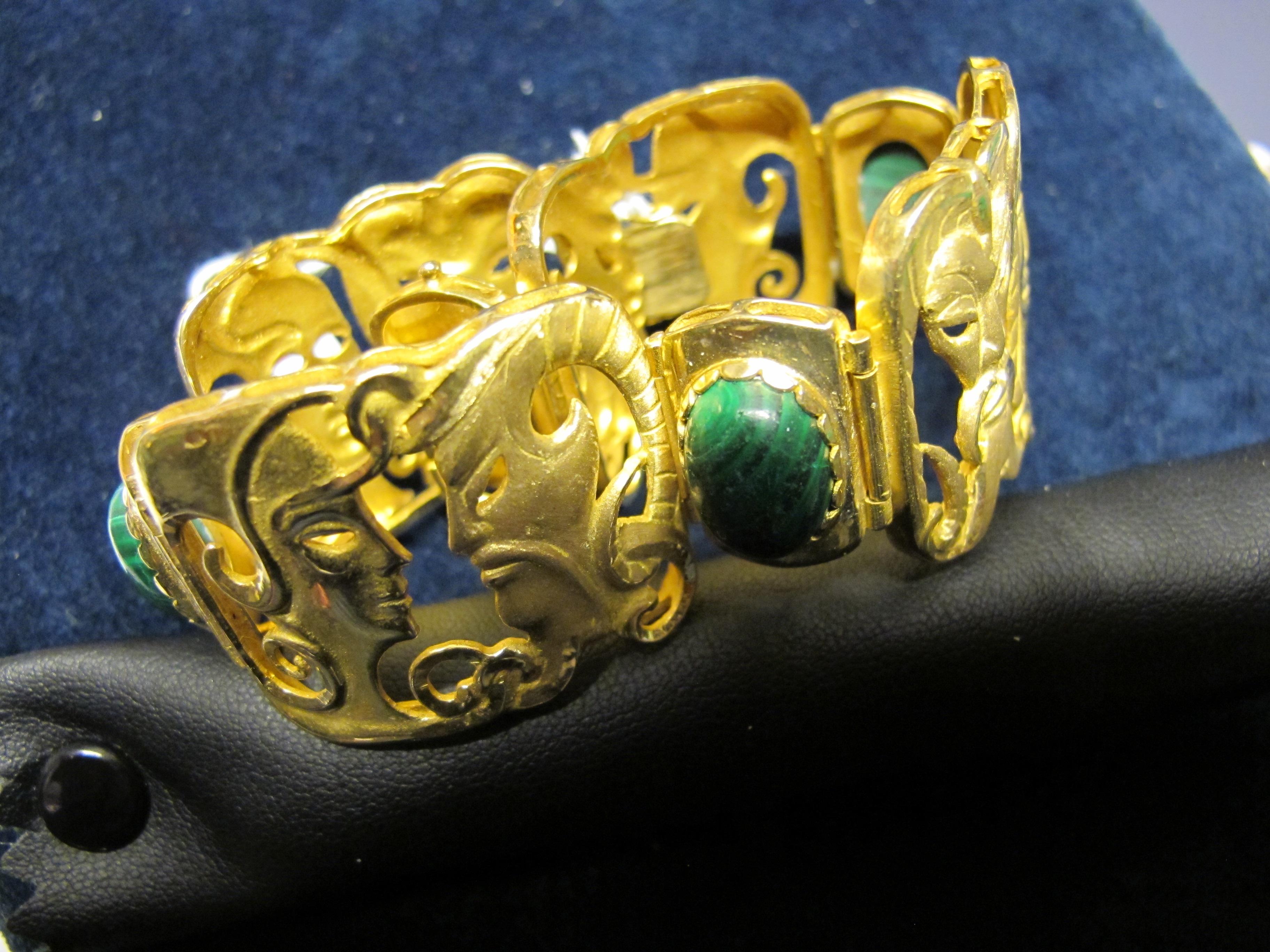 bracciale oro giallo lavorazione etrusca con pietra verde