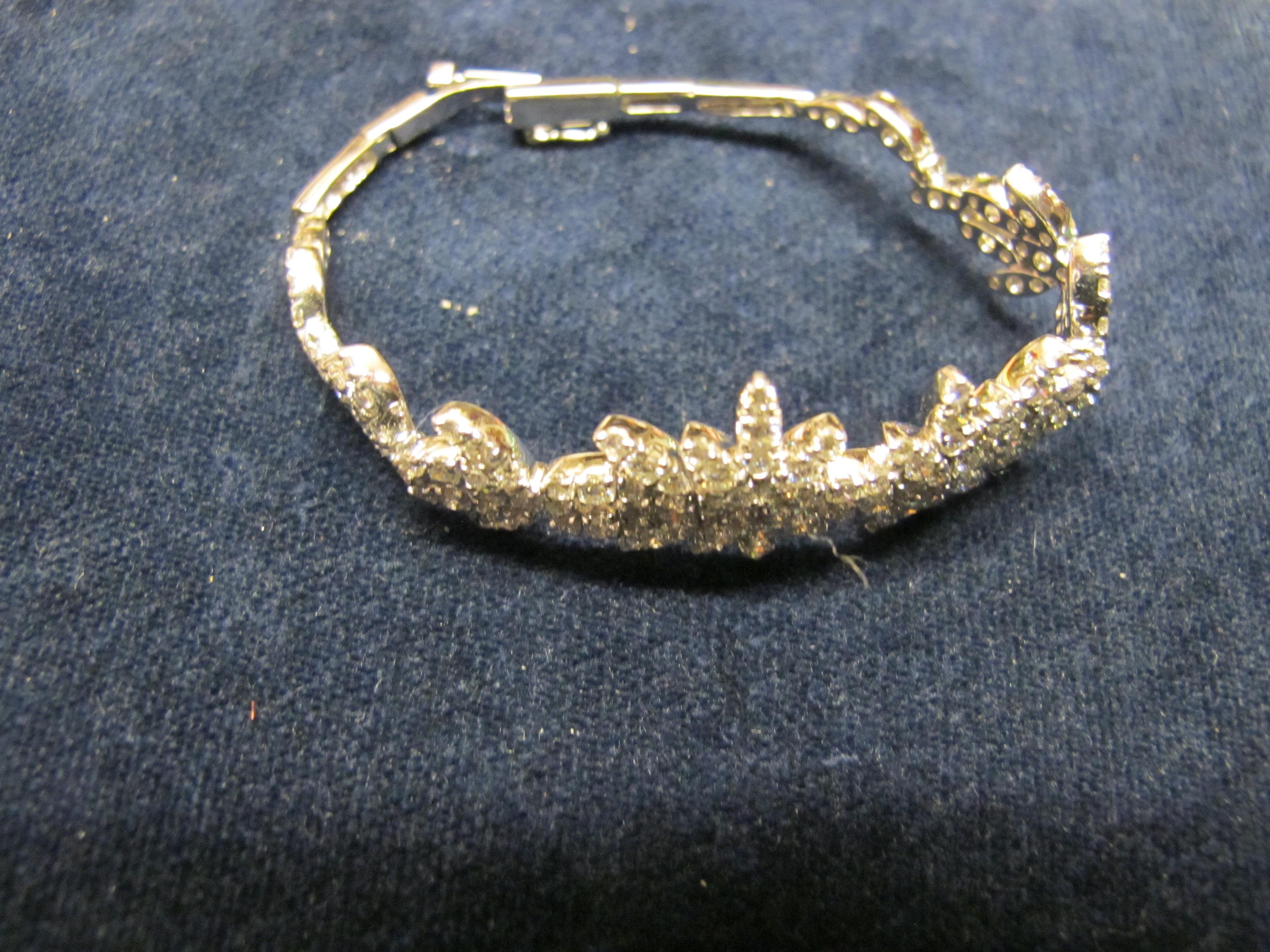 braciale oro bianco e diamanti rigido