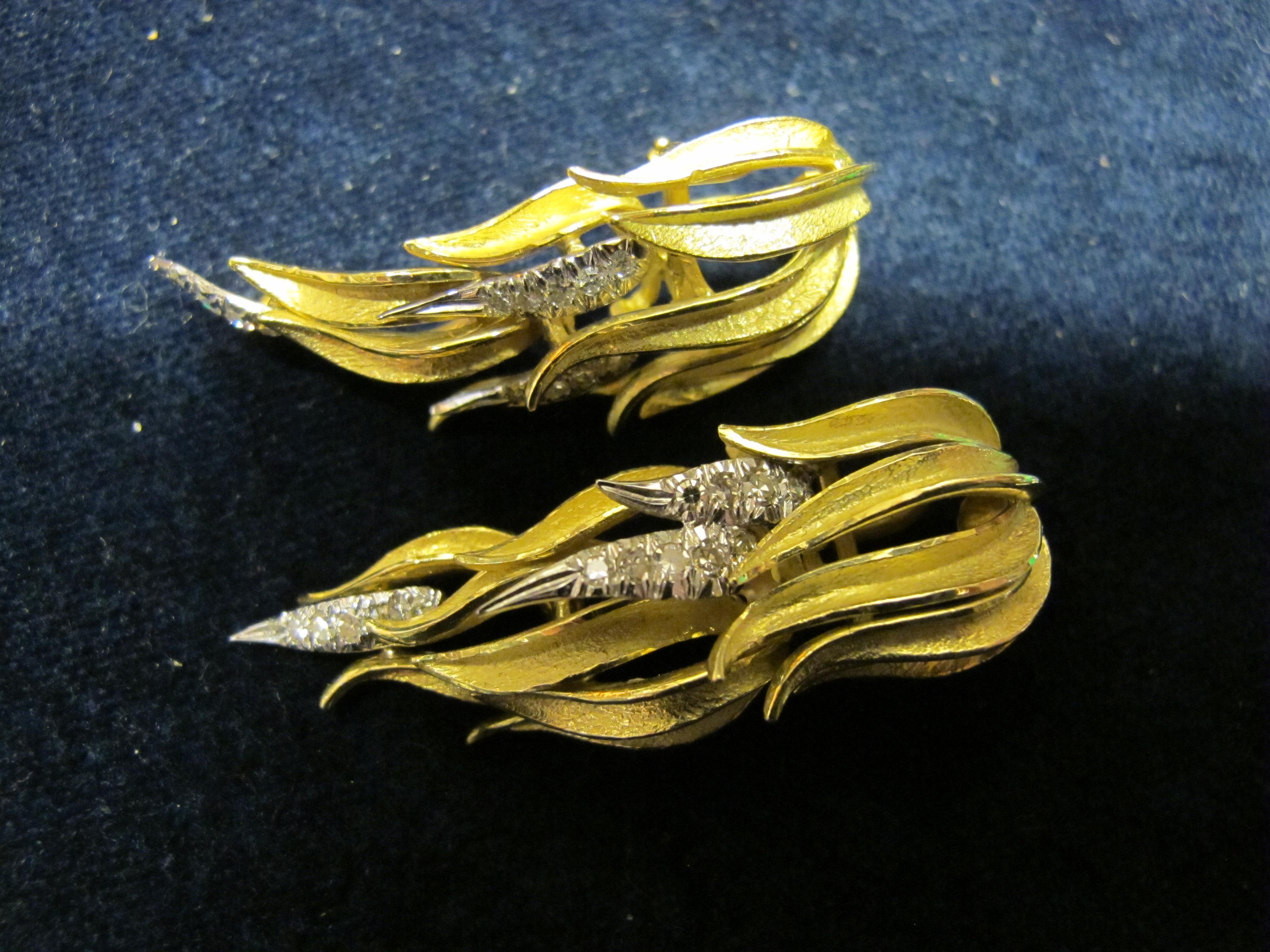 orecchini oro giallo e diamanti a felce
